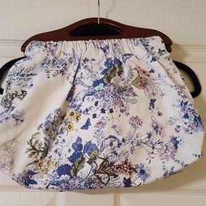Wooden handle handbag.